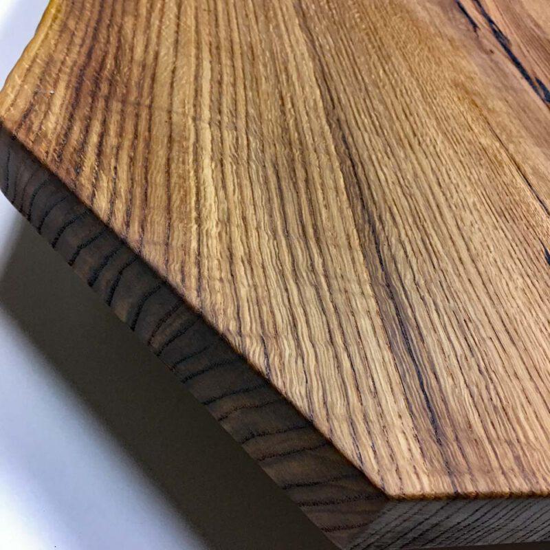 Detail einer Wildeichen Tischplatte